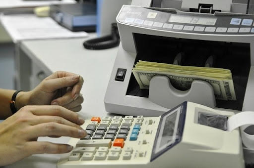 Cash transactions in non-bank financial institutions